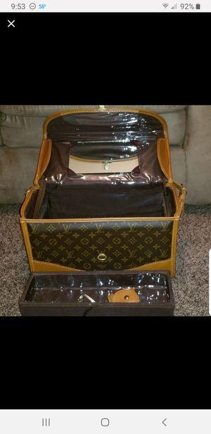 Louis Vuitton vanity travel bag for Sale in Modesto, CA