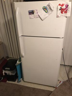Refrigerator for Sale in Pomona, CA