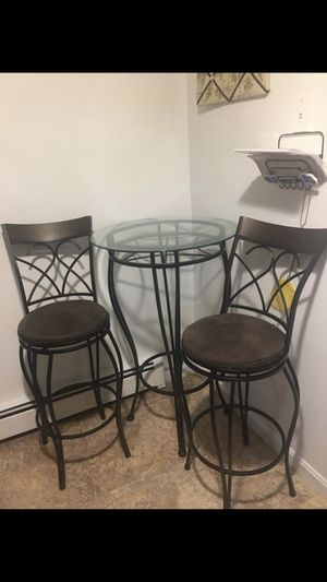 Small kitchen table for Sale in Lowell, MA