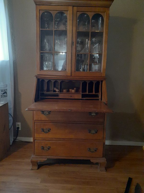 Antique amall writing desk with lock and key