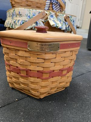 Longaberger 1997 Christmas Snowflake basket with lid for Sale in Orange, CA