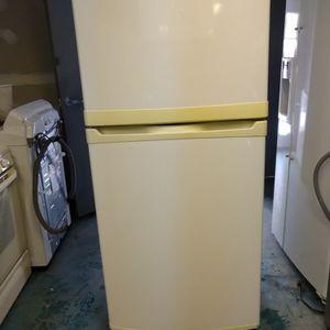 Kenmore Refrigerator for Sale in Orange, CT