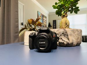Canon EOS Rebel T6 -LIKE NEW —body only for Sale in Magnolia, TX
