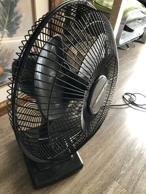 Oscillating Table Fan for Sale in Escondido, CA