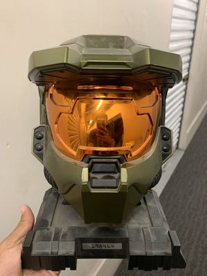 Master chief helmet game case for Sale in Buena Park, CA