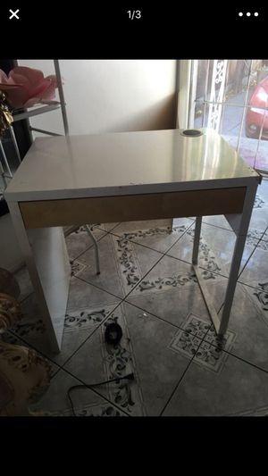 White IKEA desk for Sale in Hawthorne, CA
