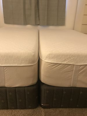 Split-Kings Size Tempurpedic Mattress with Box spring &metal frame in excellent condition asking $2500. Obo for Sale in Highland Beach, FL