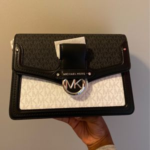 Michael Kors Purse for Sale in Decatur, GA