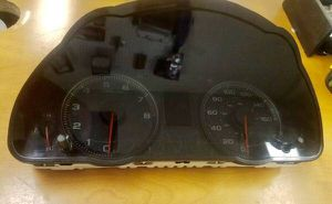 ACURA TSX GAUGE CLUSTER SPEEDO 2005-2006 TSX for Sale in Yalesville, CT