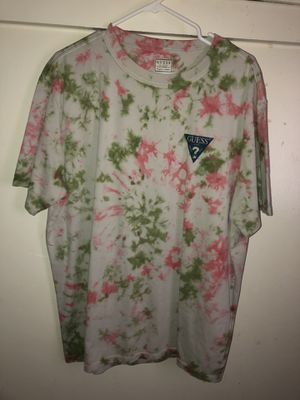 Guess T-Shirt Size L for Sale in Riverside, CA