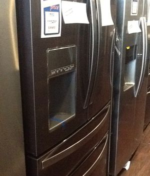 New open box black stainless whirlpool refrigerator 26 cu ft WRX986SIHV for Sale in Paramount, CA