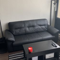 Leather Couch for Sale in Detroit,  MI
