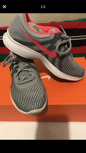 Nike revolution 4 ( GS) size 5 for Sale in Durham, NC