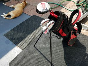 Kid's Golf Club set with free pop up bag! for Sale in Bolingbrook, IL