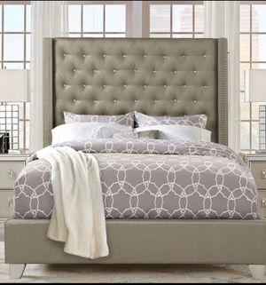 Sofia Vergara Queen Bed for Sale in Orlando, FL