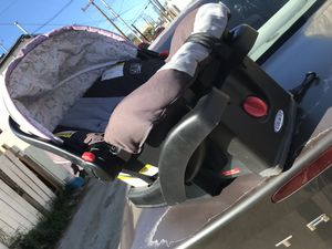 Graco Newborn car seat for Sale in San Diego, CA