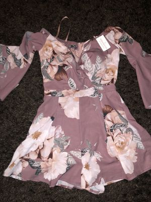Shorts floral Windsor romper xs for Sale in San Bernardino, CA