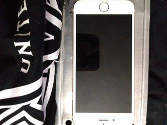 iPhone 6 NEEDS Screen Or Less. Carrier Unlocked for Sale in Glendale,  AZ
