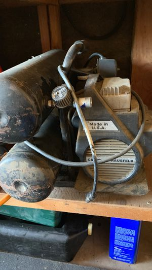 Campbell Hausfeld US 2HP Twin Tank Air Compressor Trade? for Sale in Galt, CA