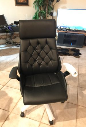 $429 retail ZUMO office chair Most comfortable most beautiful design sold out online check Office Depot for the price with proof of purchase $429.98 for Sale in Hollywood, FL