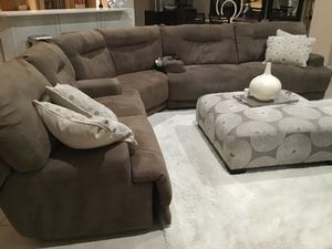 Sectional sofa for Sale in Miromar Lakes, FL