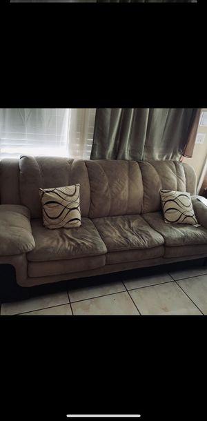 Sofa couch for Sale in Miami Gardens, FL