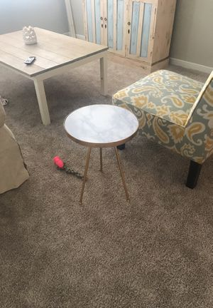 Gold and marble end/side table for Sale in Dallas, TX