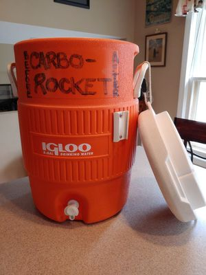 Igloo 5 gallon beverage cooler for Sale in Downers Grove, IL