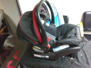 Graco infant car seat for Sale in Denver, CO