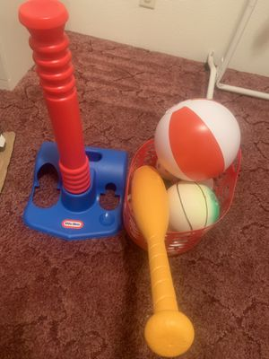 Baseball Stand with balls and bat with additional balls 🏀 ⚾️ for Sale in Portland, OR