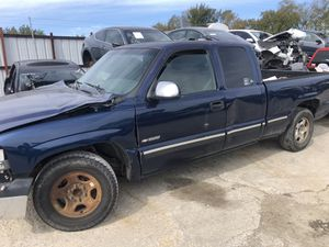2001 Chevy Silverado for parts for Sale in Grand Prairie, TX