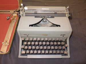 Vintage 1949 Royal Arrow Manual Portable Typewriter with Case Price Reduced! for Sale in Ocean Shores, WA