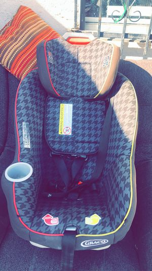 Car seat for Sale in El Centro, CA