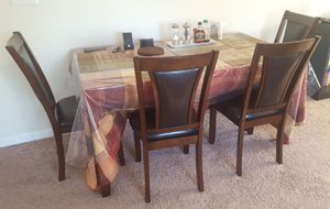 6 piece dining table set 4 chairs and a bench for Sale in Dunlap, IL