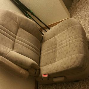 2002 Passenger Seats for Sale in Leavenworth, WA