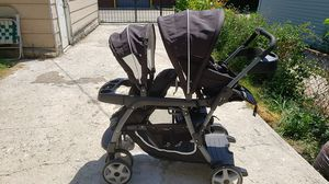 Double stroller, carseat, base and snap and go for Sale in Chicago, IL