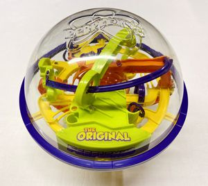 Original Perplexus Puzzle Ball Labyrinth Board Game w/ Display Stand for Sale in Stanwood, WA