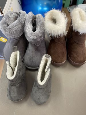 3 pair baby boots size 0-6 months, size 4 (brown) and size 4 for Sale in Puyallup, WA