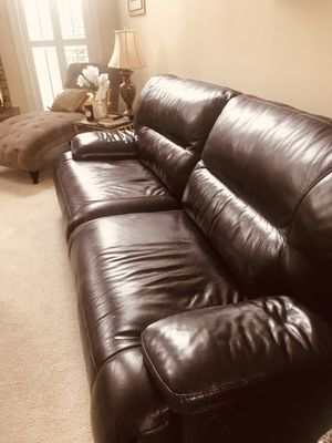 Reclining Leather living room set. for Sale in Gainesville, VA