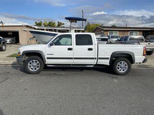 2001 Chevy Silverado 1500HD 6.0L for Sale in Pomona, CA