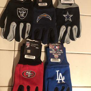 New Childrens NFL Gloves for Sale in Fresno, CA