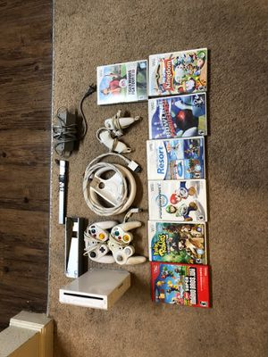 Nintendo wii with 7 games and game cube controllers for Sale in Athens, TX