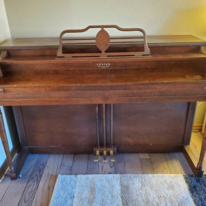 Lester Betsy Ross Spinet Piano for Sale in Vancouver, WA