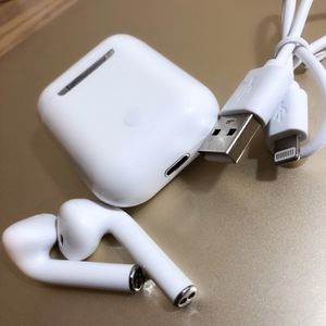 i14 Touch AirPods w Case (NEW) for Sale in Houston, TX