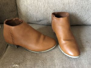Girls brown ankle boot size 2 for Sale in Erie, PA