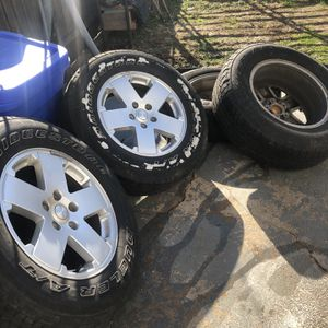 JEEP WHEELS AND TIRES for Sale in St. Louis, MO