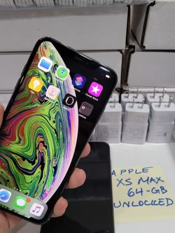 Apple iPhone XS Max Unlocked 64GB in Excellent Condition Like New for Sale in Seattle,  WA