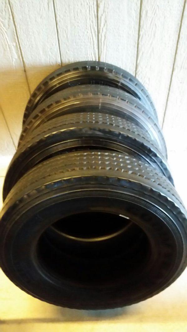 Livestock trailer tires