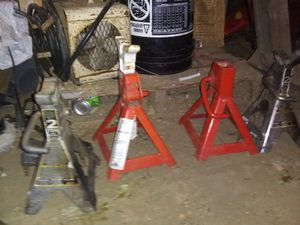 Jack stands for Sale in Edelstein, IL