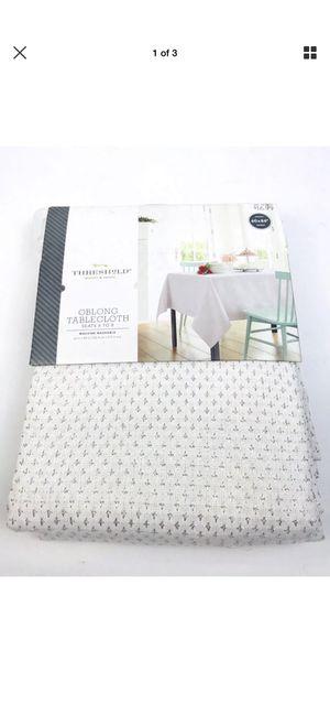 "Threshold White Silver Crosses Oblong 6-8 Seat 60""x84"" Tablecloth Home Decor for Sale in San Bernardino, CA"